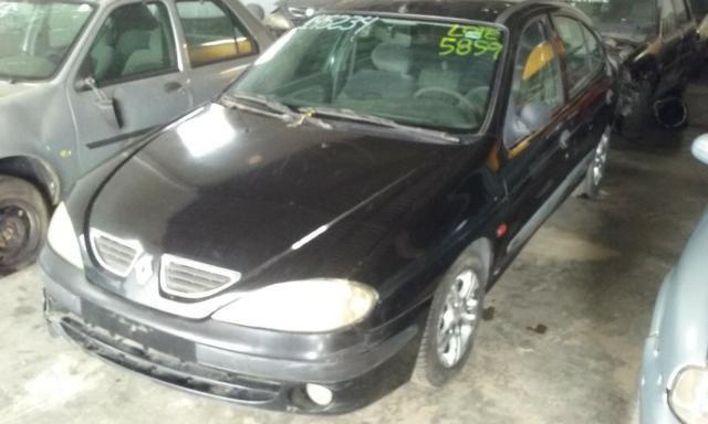 Sucata de Renault Megane RT 1.6 16v 2001 para retirada de peças - Foto 9
