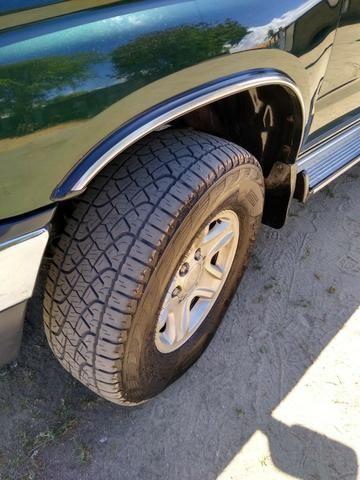 Toyota HIlux SW4 4x4 7 lugares Turbo Diesel - Foto 2