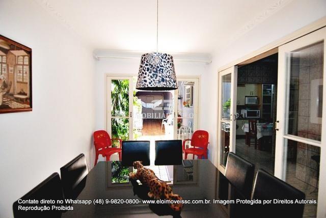 Casa no bairro Balneário, Florianópolis de 04 dormitórios com suíte - Foto 8