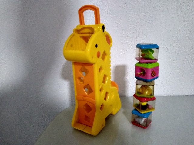 Girafa Peek a Block's Fisher Price