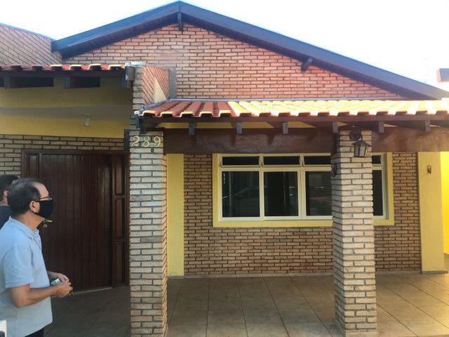 Vendo casa em excelente localização  - Foto 2