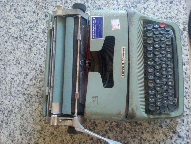 Vendo máquina de escrever Olivetti Studio 44 - Foto 2
