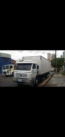 Vw 24-220 worker original 2011 truck baú 8.50 metros - Foto 2