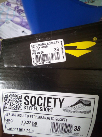 Chuteira Society 37/38