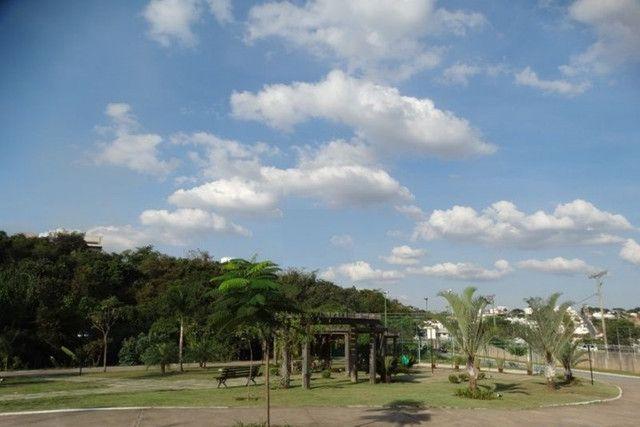 Lote no Condomínio Estância da Silveira. Oportunidade para construir a Casa dos Sonhos! - Foto 2