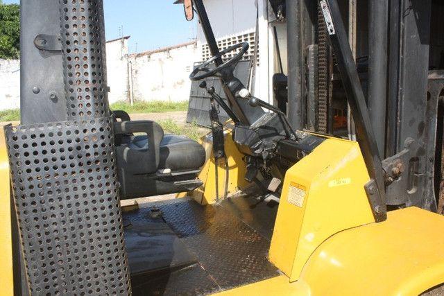 Empilhadeira a combustão GLP Yale GP155CA para 7 toneladas - Foto 3