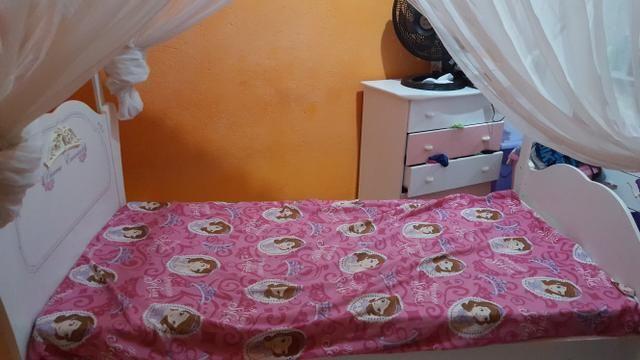 Cama das Princesas c/ colchão e mosquiteiro