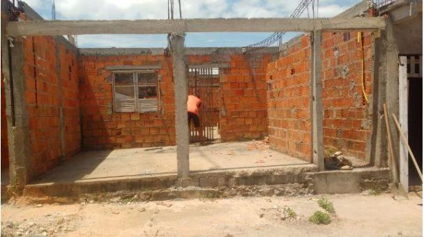 Terreno em ponto de construção