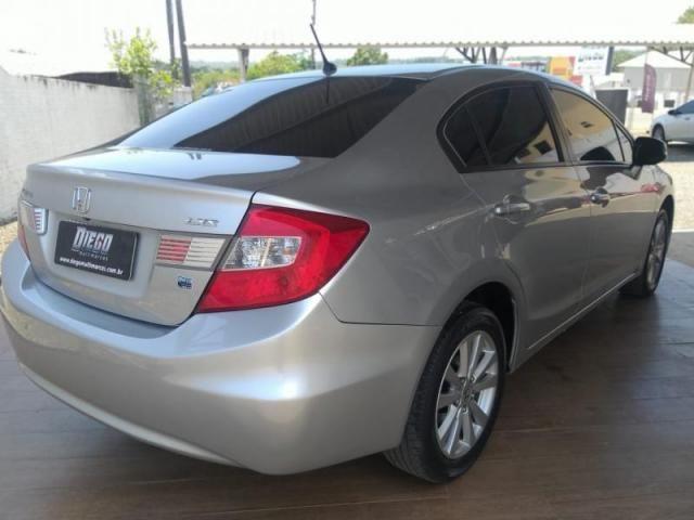 Civic Sedan LXS 1.8/1.8 Flex 16V Aut. 4p - Foto 3