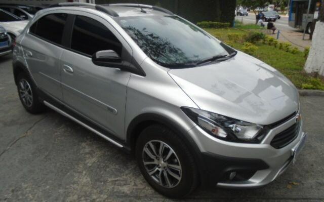 Chevrolet Onix 1.4 Activ Aut. 5p - Foto 2