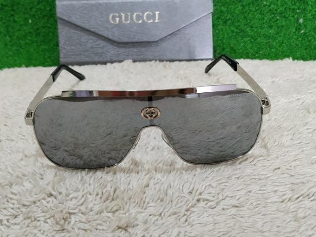 Óculos de sol Gucci prateado - Bijouterias, relógios e acessórios ... 60649b2d0a
