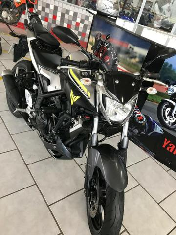 Yamaha Mt-03 ABS 2018 / linda semi nova na Yamaha sapiranga, consulte: * - Foto 2
