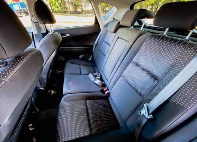 Hyundai I30 2.0 16v 145cv 5p aut. 2011  - Foto 4