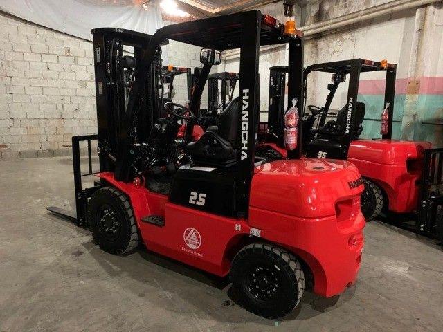 Empilhadeira Hangcha | 2,5 toneladas | Diesel | Torre Triplex de 4.700mm