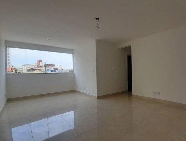 Apartamento de Dois Quartos - Suíte - Duas Vagas - Alto Padrão // Castelo Manacás