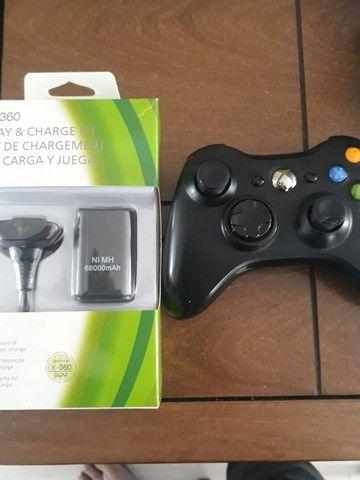Controle Xbox 360 original + bateria e carregador