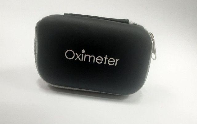 oximetro + porta oximetro de brinde  - Foto 2