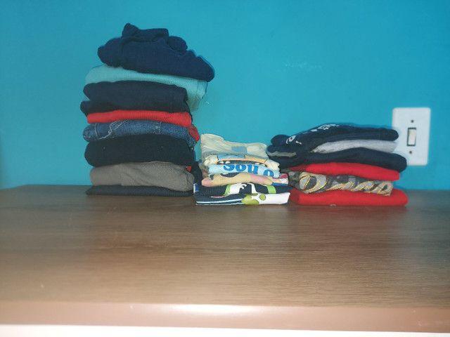 Doa-se roupas e sapatos de menino! Tamanho 2/3 - Foto 2