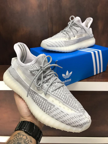 Tênis Adidas Yeezy Boost 350 v2 - 350,00 - Foto 4