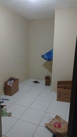 Alugo quarto de solteiro (somente para mulheres)