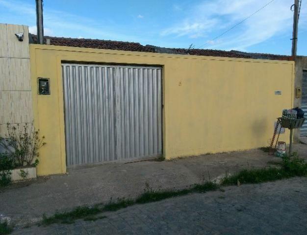 Casa no Novo Jardim, 2 quartos, cozinha ampliada, 2 vagas