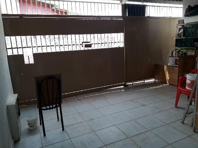 QNL 18 lote 180m² 3 quartos cerâmica forro PVC 210 mil quitada - Foto 2