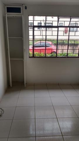 Alugo apartamento no Pinheirinho - Foto 2