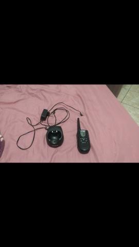 Rádio Motorola com 2 carregadores