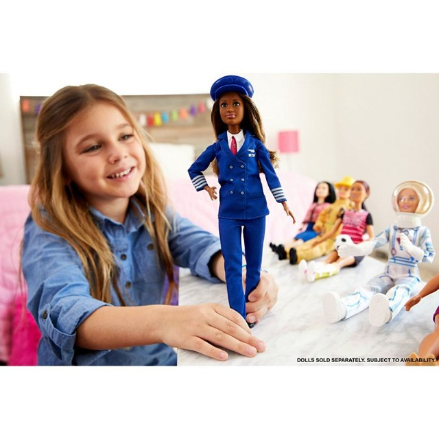 Boneca Barbie Piloto de Avião - Negra lindaaaa! - Foto 4