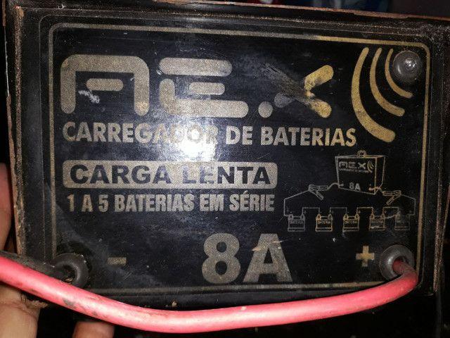 carregador de bateria 8ah bivolt carrega até 5 bateria de uma vez