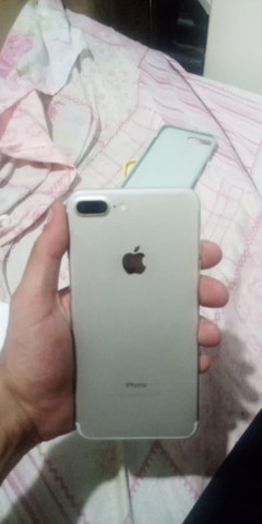 iPhone 7 Plus troco em moto boa - Foto 2