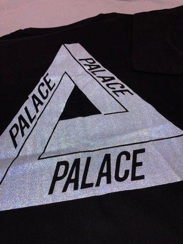 Camiseta Palace Logo Refletivo Tee (SS21) Branca - Foto 6