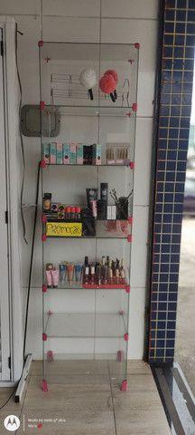 Vendo vitrine com as maquiagem (retirar) aceito cartão