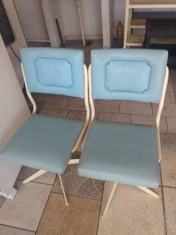 Vendo cadeiras antigas - Foto 4