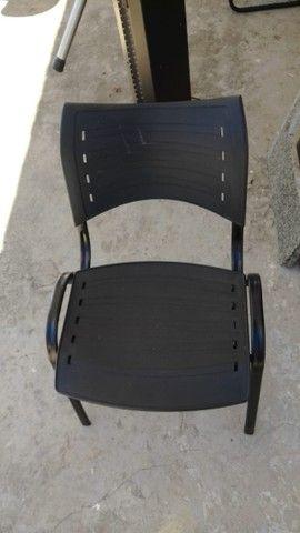 Cadeira ISO Fixa para festa, vendo o conjunto ou somente as cadeiras - Foto 2