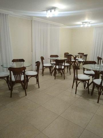 Mesas e cadeiras * BANQUETAS  - Foto 5