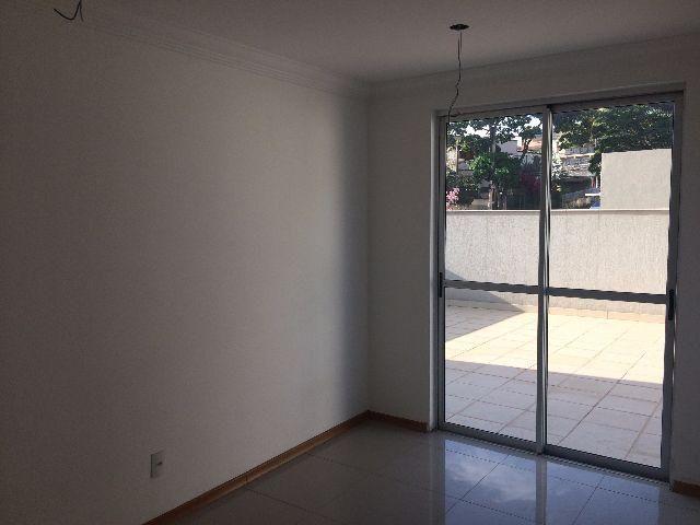 Excelente Apartamento com Área Privativa - Dois Quartos // Castelo - BH