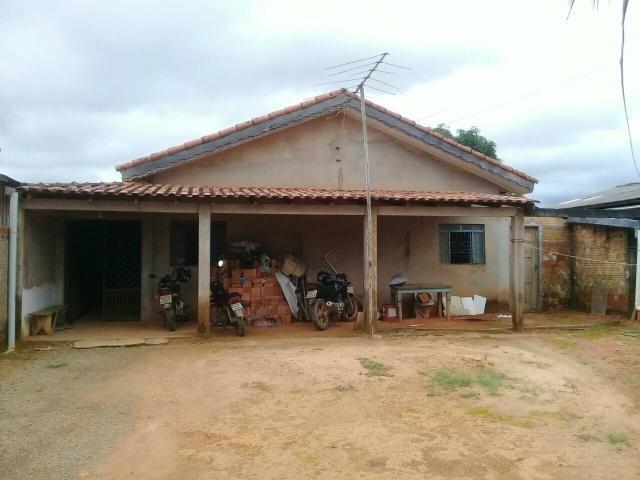 Vendese uma casa esta localizada em Ariquemes Rondonia setor rota do sol