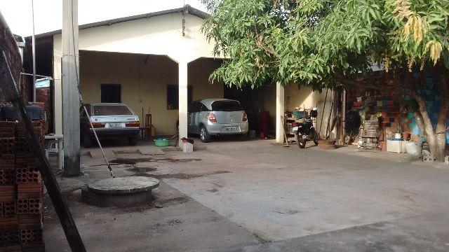 Casa com ponto comercial na principal do Brasil no
