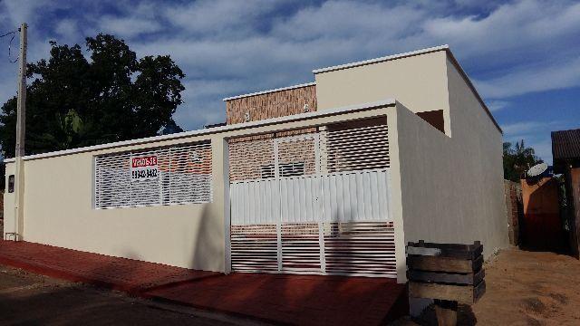 Vendo/alugo casa no bairro Jose Moreira em Brasileia