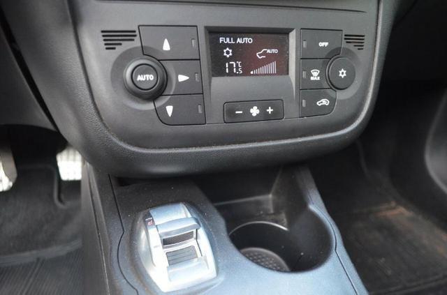 Fiat Punto T-Jet 1.4 turbo 2016 - Foto 12