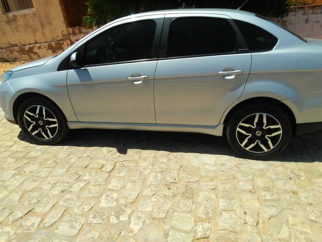 Vendo grand Siena 12/13 automático 1.6