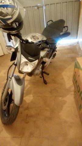 Vendo uma moto Fan 160
