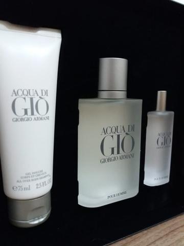 Kit Perfume Acqua Di GIO Masculino EDT 100Ml + Travel Size 15Ml + Shower Gel.  Anúncio de ... 624cf8f6a4