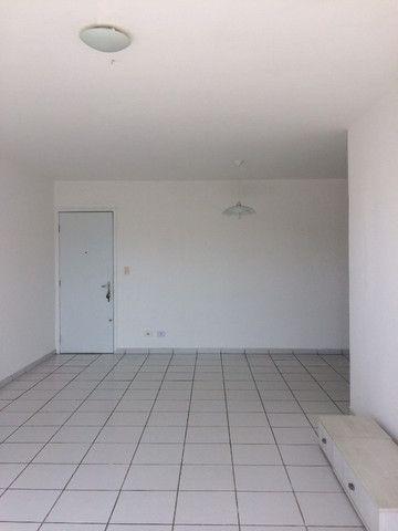 Apartamento na Imbiribeira, com 02 quartos/dependência, no último andar e muito ventilado - Foto 3