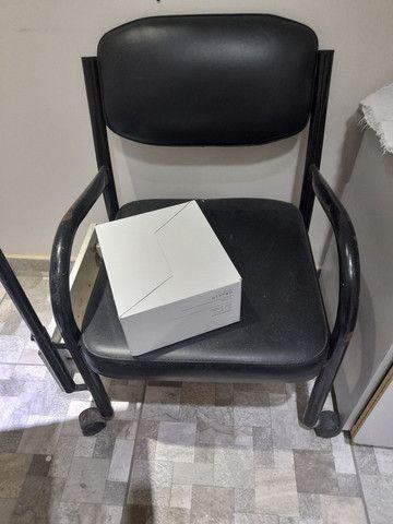Vendo cadeira de manicure  - Foto 3