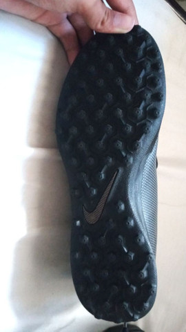 Chuteira Nike Society tamanho 37.