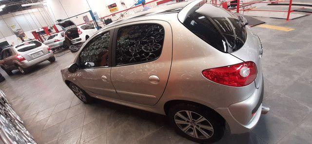 Peugeot 207 1.4 8V modelo 2011  - Foto 2