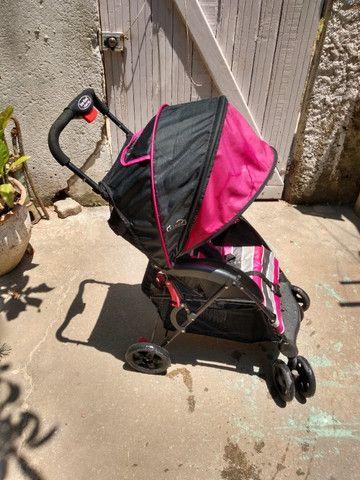 2 Carrinhos de bebê poucos usado mais bebê conforto