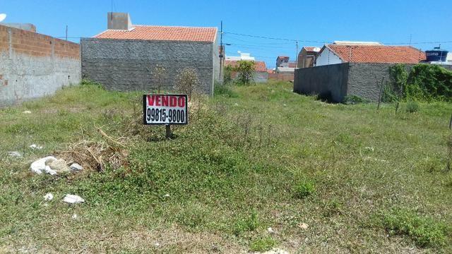 Vende terreno na zona de expansão